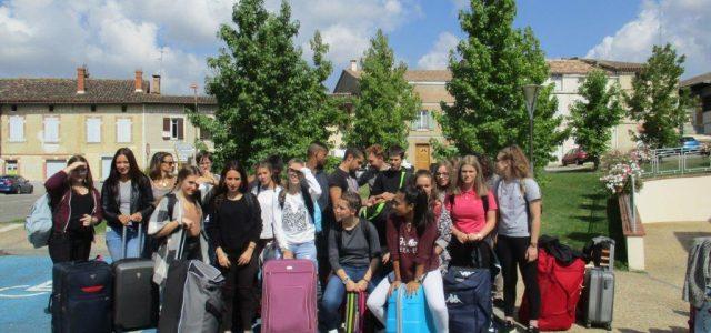 Mardi dernier 20 septembre, la classe des 1ères du lycée prenait le car avec 4 encadrants pour participer en tant qu'hospitaliers au pèlerinage «LOURDES CANCER ESPERANCE», organisé pour notre diocèse […]